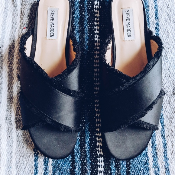 fashion styles united kingdom detailed look Steve Madden Black Criss Cross Sandals